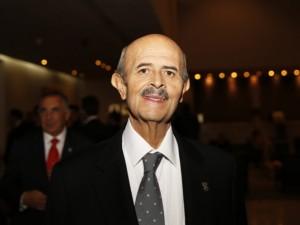 Fausto Vallejo nueva licencia