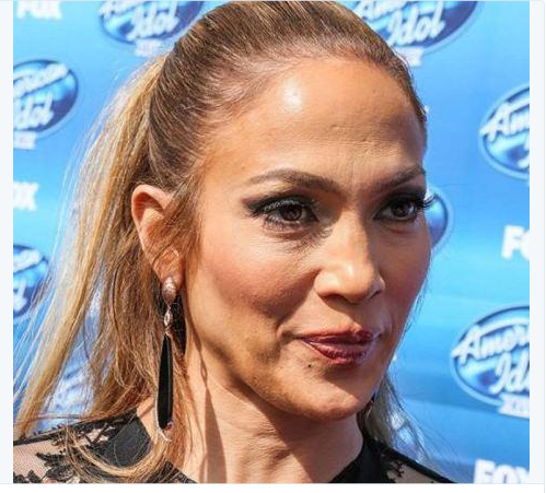 Jennifer lopez sin photoshop da el viejazo for Noticias actuales del mundo del espectaculo