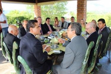 Silvano Aureoles en agenda común con religiones y universidades