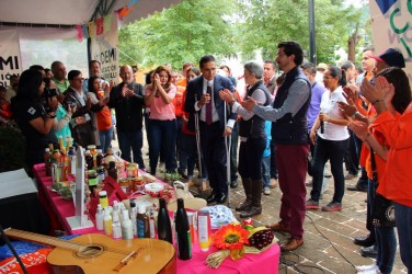 Silvano comprometido con los productores michoacanos