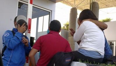 Normalistas ignoran a Silvano Aureoles, toman caseta de Zirahuen Michoacán