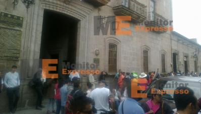 Calle Allende de Morelia bloqueada por maestros de la CNTE