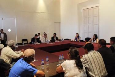 Gobierno de Michoacán logra acuerdos con habitantes de Nahuatzen