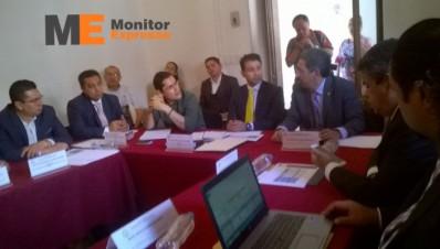 Comparece rector de Universidad Michoacana ante diputados