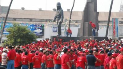 lzcaldia.files.wordpress.com trabajadores de ArcerolMitall