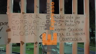 Fuera Director de Odontología de la Universidad Michoacana