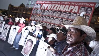 Padres de los normalistas desaparecidos y PGR se reunirán el próximo tendrá lugar el lunes 18 de febrero de 2016.