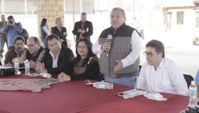 Acuerdan ayuntamientos con Cuba y diputados intercambio de acciones de salud, cultura y deporte: Ángel Cedillo