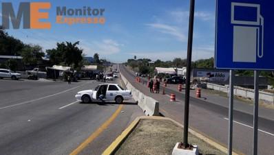 Bloqueos en Apatzingán tras enfrentamiento