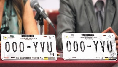Las placas en la Ciudad de México serán gratis Así lo informó el Jefe de Gobierno.