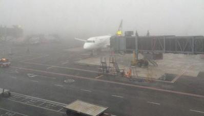 Aeropuerto de Monterrey suspende vuelos por neblina