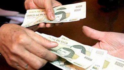dinero-pago-a-jubilados-de-la-universidad-michoacana
