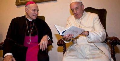 Arzobispo Aguilar y el Papa Francisco