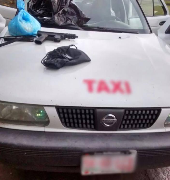 aseguran-taxi-en-buenavista