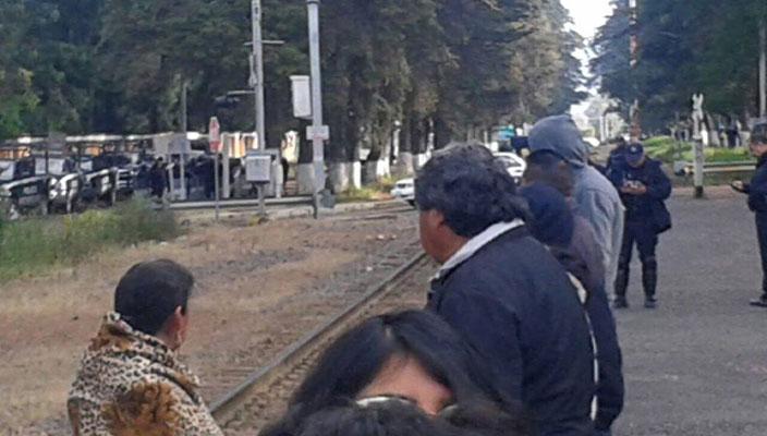 cnte-bloquea-vias-del-tren2