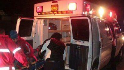 Muere paramédico al chocar ambulancia contra árbol en la Morelia-Pátzcuaro