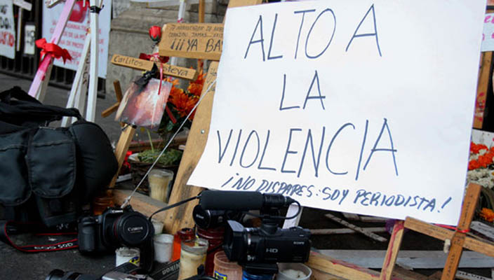 Exigen regreso con vida del periodista levantado en Michoacán