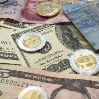 Dólar se sitúa por debajo de los 19 pesos