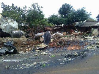 Pipa se estrella contra casa en Los Reyes michoacán