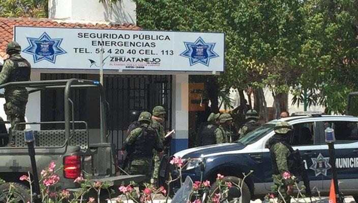 Desarme de policías en Zihuatanejo, por infiltración de delincuencia