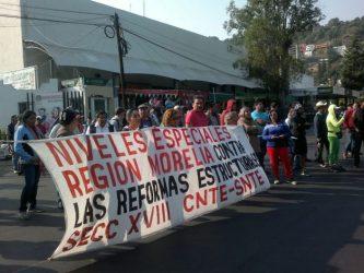 CNTE en casa de gobierno de Morelia