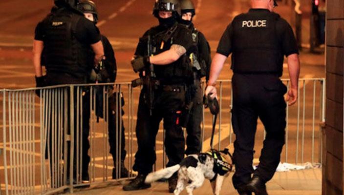 Tras ataque, investigan red de presuntos atacantes en Manchester