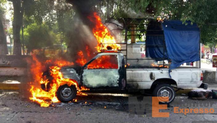 Queman camioneta y ejecutan a tres hombres en distintos ataques — Acapulco
