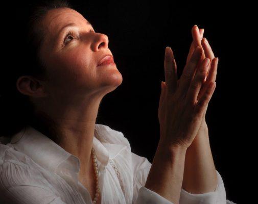 ¿A cuál santo le rezas cuando tiembla?