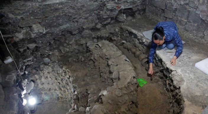 Descubren 650 cráneos en el Centro Histórico