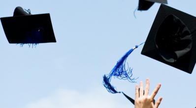 Licenciatura ya no es suficiente para triunfar