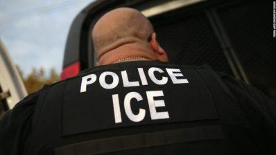 Policía de migración