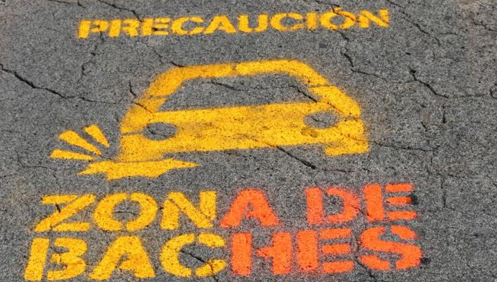 Ciudadanos de Morelia salen a las calles para adoptar baches