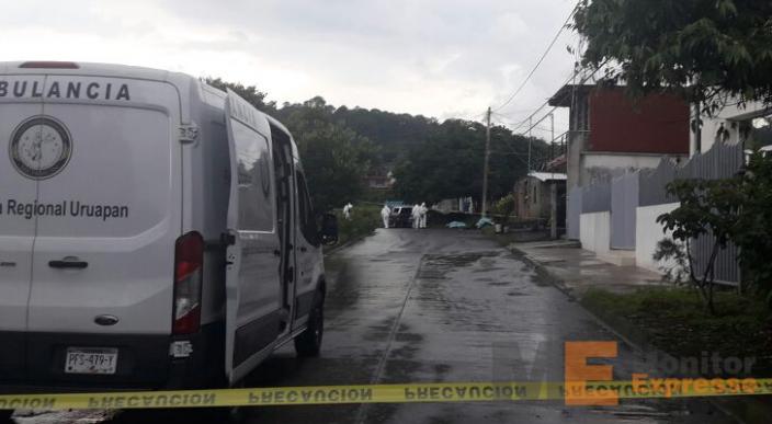 Ejecutan a dos jóvenes en Uruapan