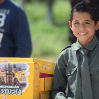 Acusa magisterio al gobernador Silvano Aureoles de retirará programas sociales educativos