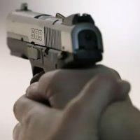 Delincuentes hieren a policía auxiliar y le roban pistola afuera del CeFoMM
