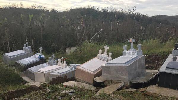 Huracán María desenterró cientos de cadáveres en Puerto Rico — Fotos