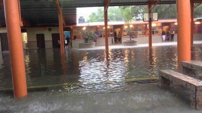Escuela inundada/Foto Internet
