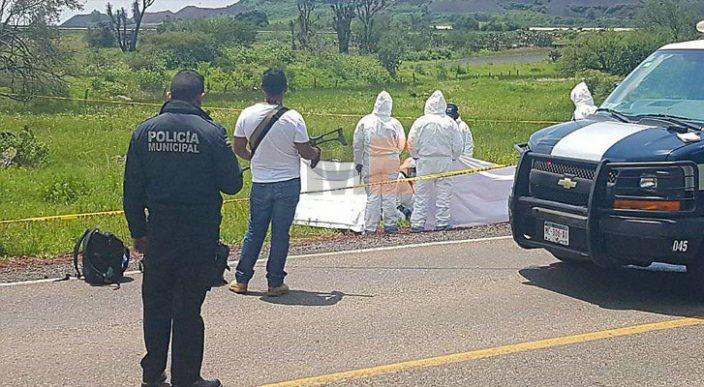Localizan cuatro hombres muertos sobre la carretera Irimbo - Maravatío