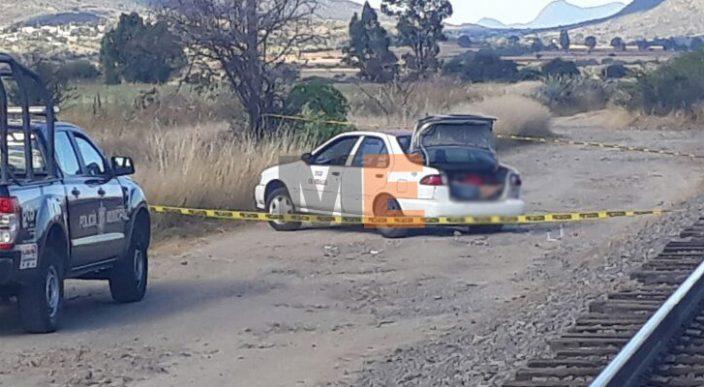 Encuentran tres cadáveres a bordo de un taxi