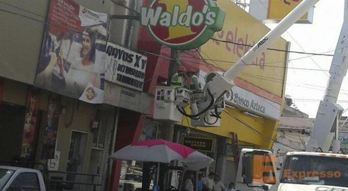 Pintor sufre descarga eléctrica en Apatzingán Michoacán
