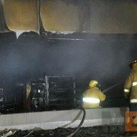 Roban e incendian tienda Oxxo en Apatzingán Michoacán