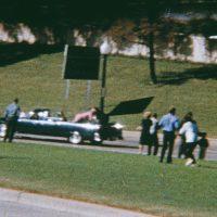 Trump dará luz verde para que se abran los archivos sobre asesinato de Kennedy