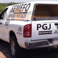 Localizan cadáver baleado en la carretera a Ziracuaretiro, Michoacán