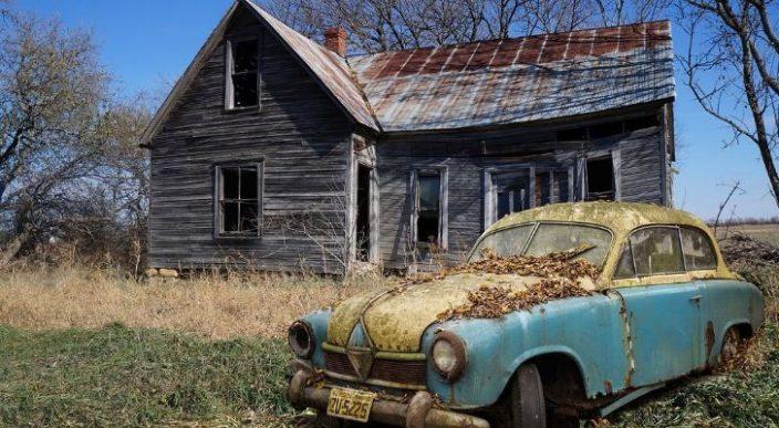 Tras 20 años, encuentra auto perdido en un edificio que van a demoler