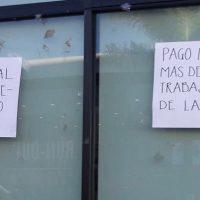 """Fluyen pagos a proveedores """"premium"""" y trabajadores que protestan en Salud Michoacán: Denuncia"""
