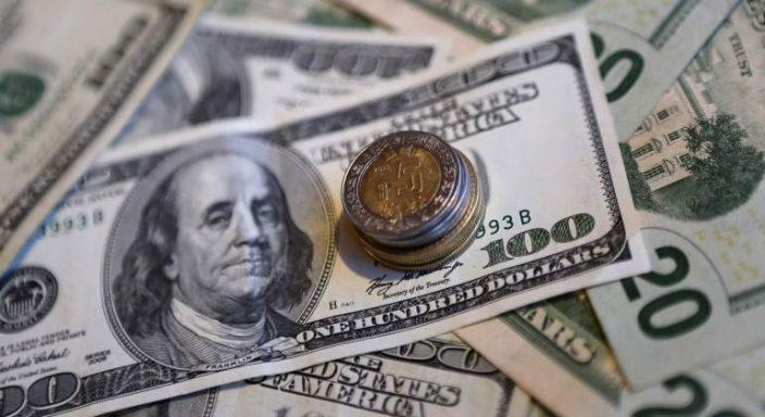 Dólar sube a 19.15 pesos en ventanillas dijo el Banco de México