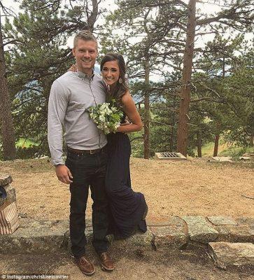 Recoge su ramo de flores silvestres y sufre alergia antes de su boda