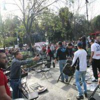 Presuntos simpatizantes del PRD y MORENA se agarran a golpes en Coyoacán (video)