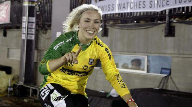 Terrible accidente sufrió la ciclista Caroline Buchanan