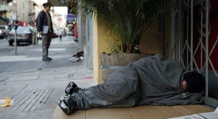 Canarias es la segunda región con más pobres de España